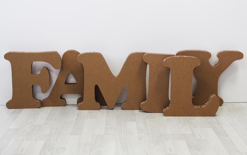 90-lettere_cartone_family